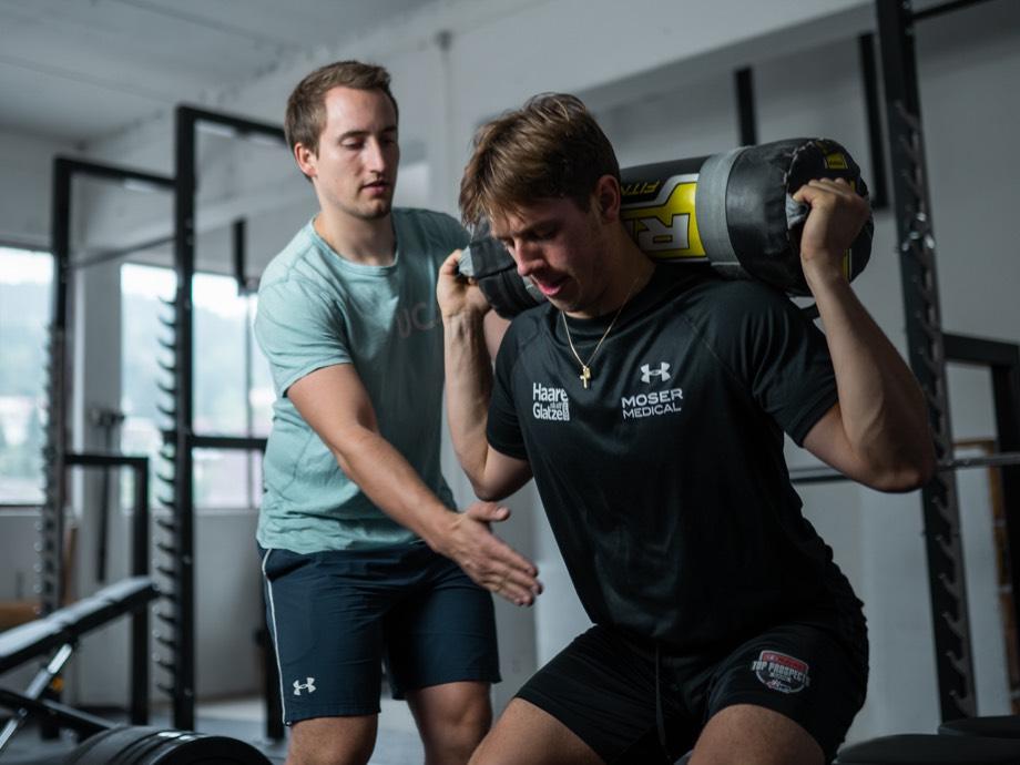 Cavada Hockey Strength & Conditioning – Marco Rossi im Training